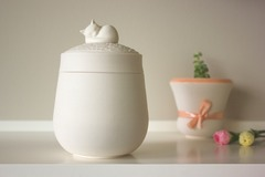 Bookable Offer: The Darling Ivory Pet Urn - Los Angeles, CA