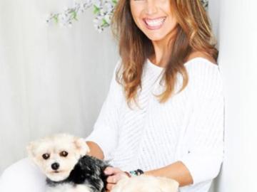 Veronica Gluecksmann Barefoot Mama Dog Natural Wellness