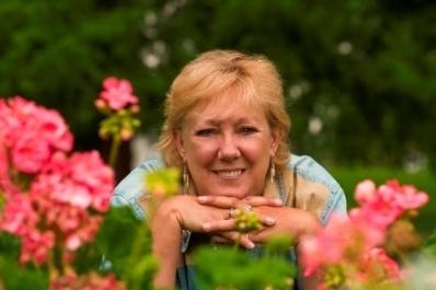 Shirley Scott - Animal Communicator/Psychic - Nationwide